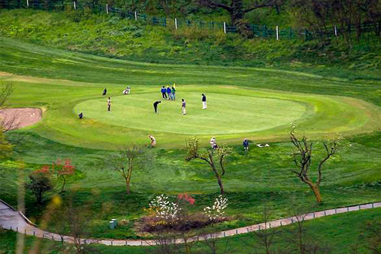 Agra Golf Club